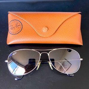Ray ban UV protection sunglasses aviators black